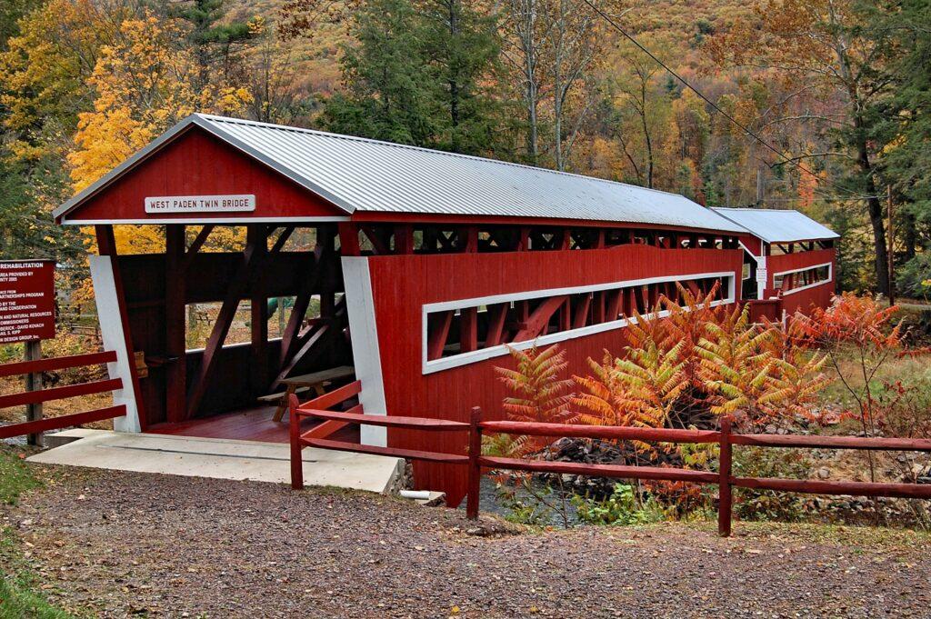 Paden Twin Covered Bridge entrance