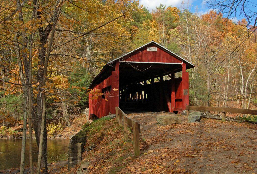 Josiah Hess Covered bridge entrance